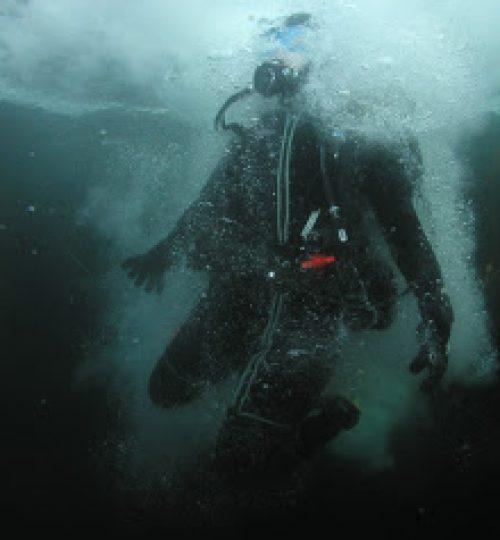 dive boat 085